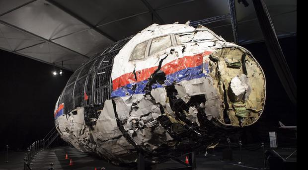 The reconstruction of flight MH17 by the Dutch Safety Board