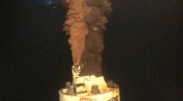 An underwater video clip used by scientists to calculate the size of the Deepwater Horizon oil leak