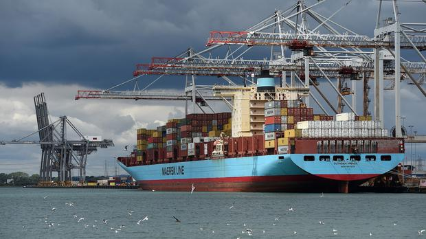 Maersk Line has said it will reduce its headcount by at least 4,000 jobs by the end of 2017