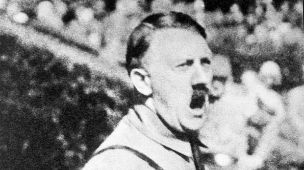 The Munich pub where Adolf Hitler delivered his first public speech must honour a contract with a right-wing party, a Munich court has ruled
