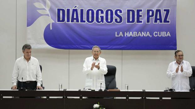 The signing ceremony of a ceasefire and rebel disarmament deal, in Havana, Cuba (AP)