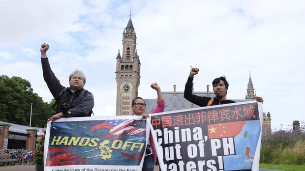 Tribunal rules against Chinese claims in South China Sea