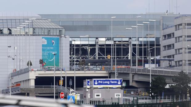 Bomb alerts on 2 planes shortly to land at Brussels airport