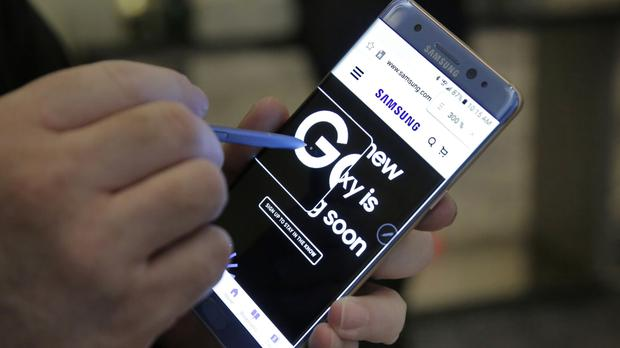 The Federal Aviation Administration issued the warning following recent incidents and concerns raised by Samsung about its Galaxy Note 7 devices (AP)