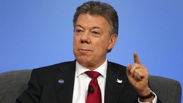 Colombia's President Juan Manuel Santos is to donate some of his Nobel Peace Prize money to victims of his country's conflict