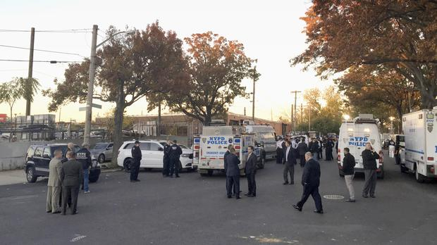 New York police sergeants shot, 1 killed; suspect dead