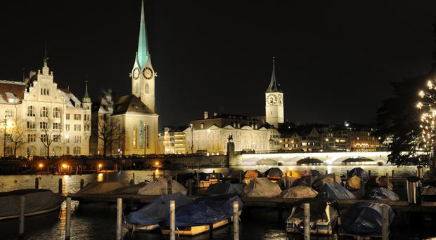 A gunman has injured several people in Switzerland's largest city, Zurich.
