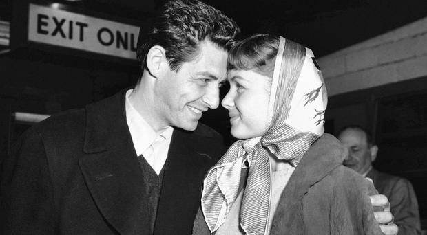 Debbie Reynolds with her then fiance Eddie Fisher in 1955 (AP)