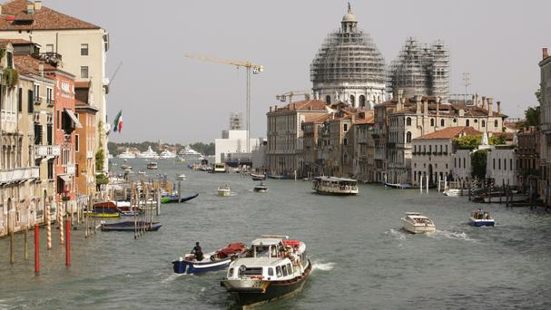 Three held over plot to blow up Venice Bridge