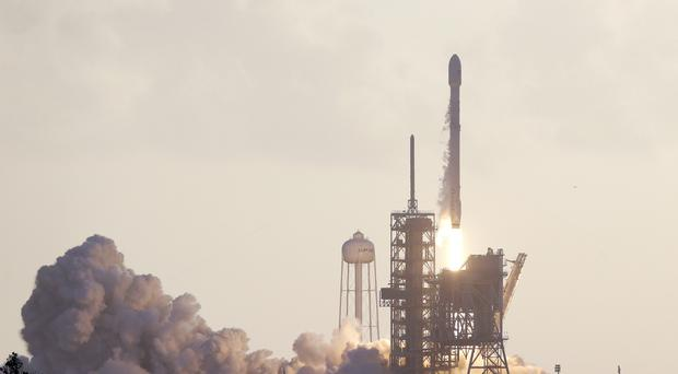 SpaceX Successfully Launches US Spy Satellite