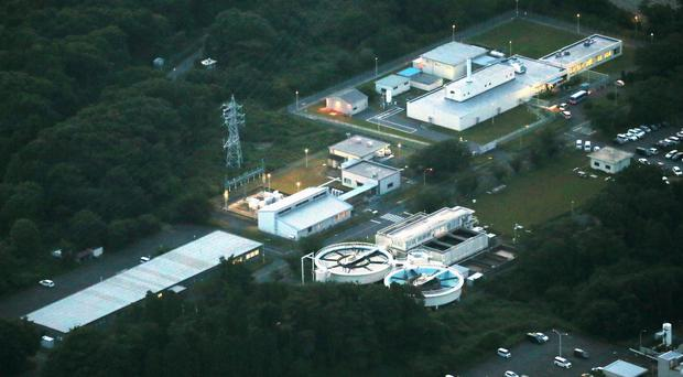 5 workers exposed to radiation at Japan nuclear lab