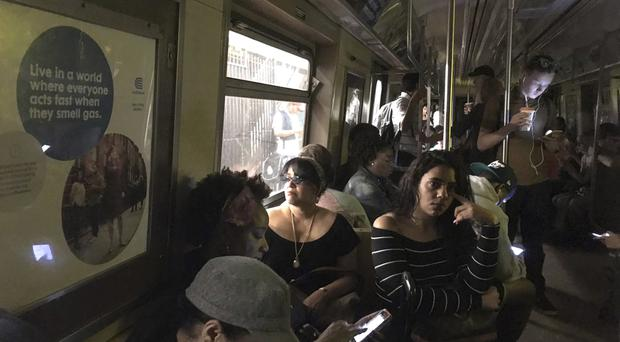 Subway derails in Manhattan, causing injuries