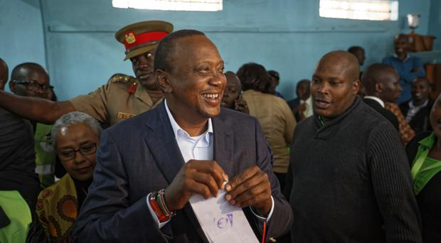 Kenya election 2017: Kenyatta ahead as votes counted