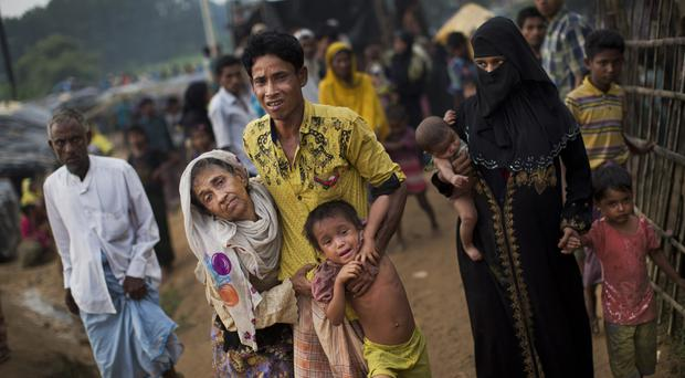 Rohingya refugees arrive at Kutupalong camp in Bangladesh (AP)