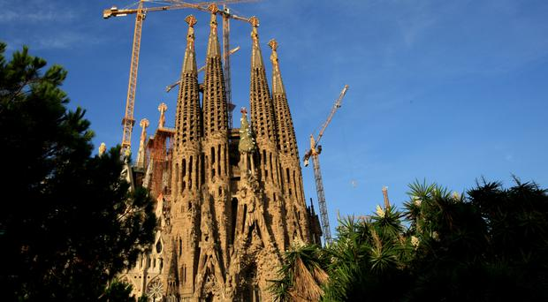 Barcelona's Sagrada Familia cordoned off by Catalan police in anti-terror operation