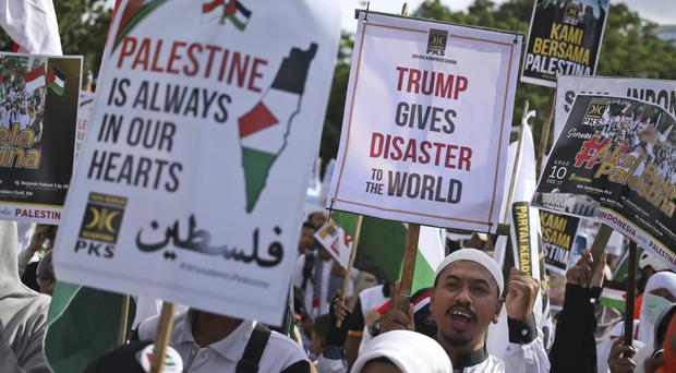 Thousands rally at US Embassy in Indonesia amid anger over Jerusalem decision