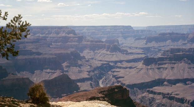 The helicopter crashed at the Grand Canyon (PA)