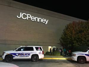 Police responded to a fight inside the Riverchase Galleria mall (Carol Robinson/AP)