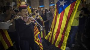 Pro-independence demonstrators in front of the Palau Generalitat in Barcelona (AP)