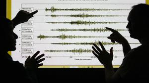 Experts jailed over an earthquake that struck Italy in 2009 have had their convictions quashed on appeal
