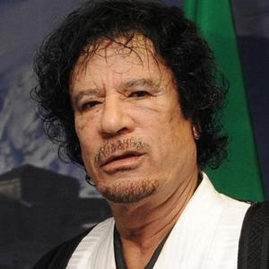 A Libyan town whose residents had backed Muammar Gaddafi during the country's civil war 'si being destroyed'