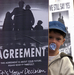 James Woods (4) joins pro-Agreement supporters at Stormont in 1999