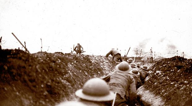 An image from the First World War of British soldiers leaving trenches