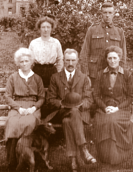 Tom McKinney on his last visit home to Sentry Hill in 1915. Tom stands at back with his sister Elsie. At front, left to right, his aunt Meg McKinney, father John McKinney and aunt Janet Dundee. Photo by his grandfather WF McKinney