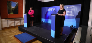 Arlene Foster and Michelle O'Neill at a Stormont press briefing