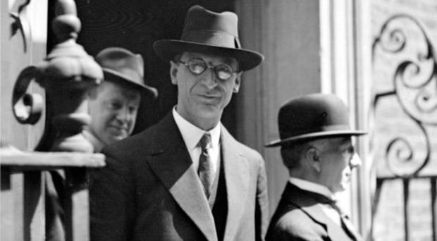 Eamon De Valera's by-election win foreshadowed the rise of Sinn Fein as a political force in Ireland. The party emphatically ended the dominance of the Parliamentary Party in 1918