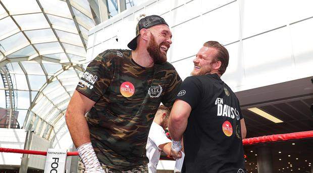 Tyson Fury to spar with Anthony Joshua ahead of Deontay Wilder clash