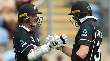 New Zealand Duo Guptill And Munro Hand Sri Lanka 10 Wicket