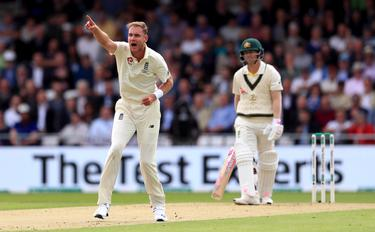 Day four of the fourth Ashes Test: England facing series defeat
