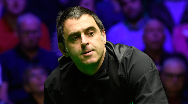 No joy: Ronnie O'Sullivan reacts to a missed attempt