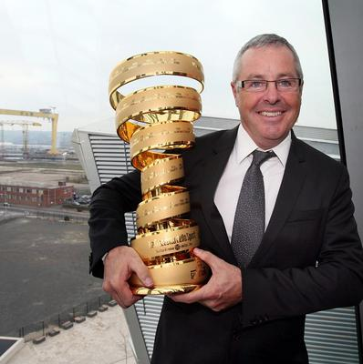 Stephen Roche holding the Giro d'Italia trophy