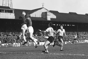 Peter Bonetti (left) made his Chelsea debut as an 18-year-old and kept his first clean sheet in 1960 (PA)
