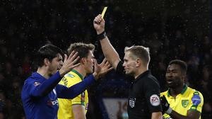 Referee Graham Scott (centre) chose not to consult VAR during the FA Cup replay at Stamford Bridge (Alastair Grant/AP/Press Association Images)