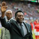 Pele will not attend a London tribue dinner in his honour held by the Football Writers' Association