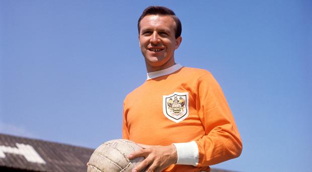 Jimmy Armfield, the former England and Blackpool captain, dies aged 82