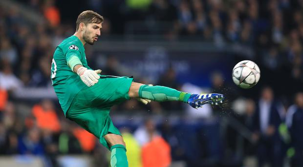 Kevin Trapp (PA)