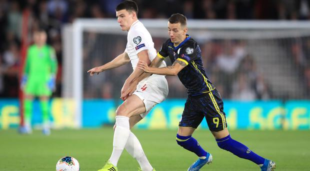 England's Declan Rice (left) and Kosovo's Bersant Celina battle for the ball during the UEFA Euro 2020 qualifying, Group A match at St Mary's, Southampton (Adam Davy/PA)