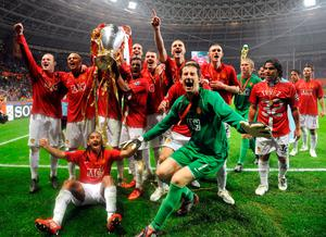 Red flair: United celebrate in Moscow