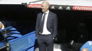 Zinedine Zidane was applauded by the Bernabeu on his return to the Real Madrid dugout (Paul White/AP)