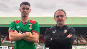New start: Jay Donnelly with his new boss at Glentoran Mick McDermott