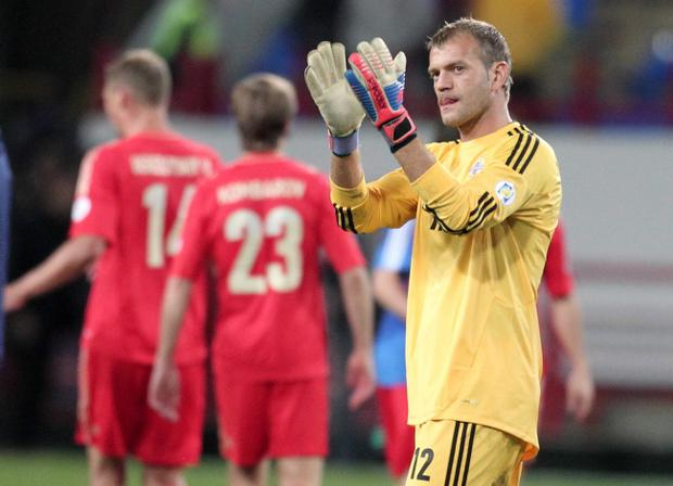Roy Carroll plays for Olympiakos in Greece