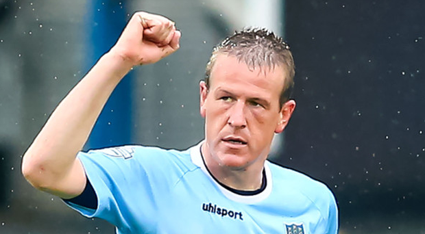 Bring it on: Allan Jenkins says he would relish taking on Roy Carroll