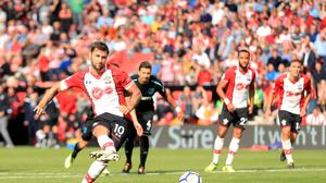 Charlie Austin's stoppage-time penalty secured Southampton's 3-2 victory over West Ham