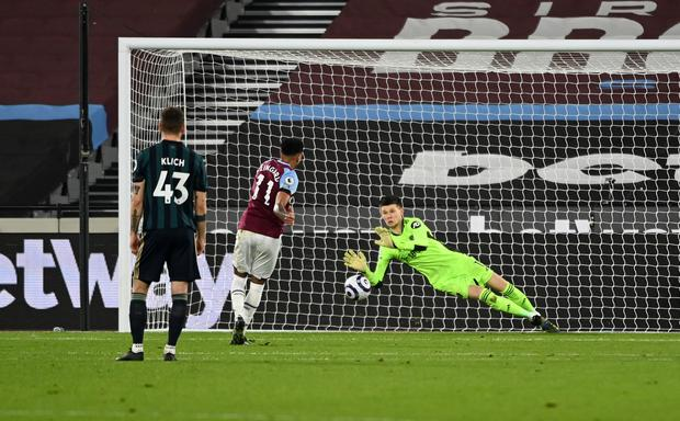 Jesse Lingard saw his penalty saved but made the most of the rebound (Andy Rain/PA)