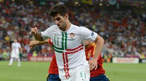 Portugal striker Nelson Oliveira is joining Swansea on loan until the end of the season from Benfica