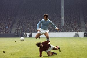 Glyn Pardoe in action for City in 1970 (PA)